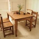 カフェのようなお洒落な家具で、くつろぎの空間を我が家に。【テーブル編】