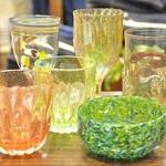 ハッピーな気持ちさせてくれる個性的な『YUGEN GLASS』のガラスの世界