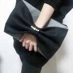 一風変わったクラッチバッグで冬ファッションにアクセント☆