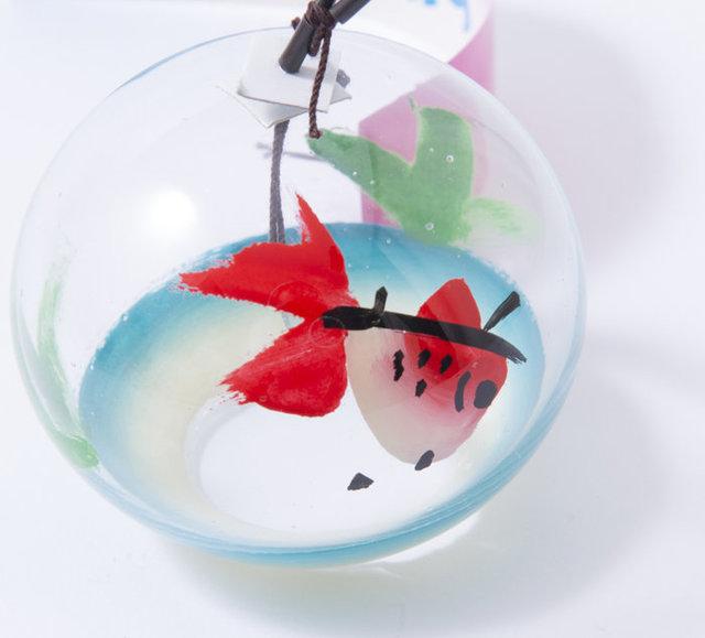 ひとりでさびしい?それとも自由?金魚の絵柄の江戸風鈴。 | BASE Mag. (587)