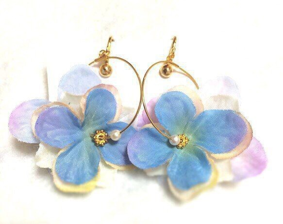 Petal Earring(Blue)|イヤリング|ハンドメイド通販・販売のCreema (1971)