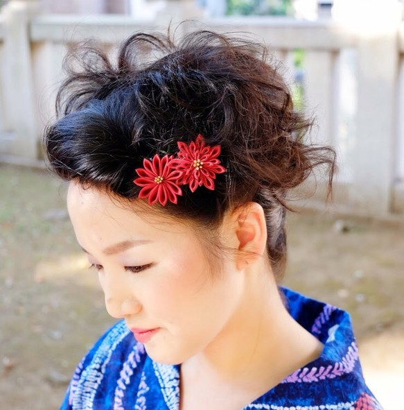 つまみ細工ー女の紅、菊の花。 ヘアアクセサリー(その他) ハンドメイド通販・販売のCreema (2299)