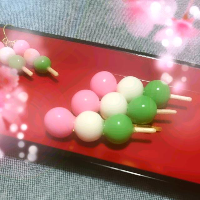 再販5♡三色団子ヘアピン/ブローチ by Petit Lapin アクセサリー ヘアアクセサリー   ハンドメイドマーケット minne(ミンネ) (2339)