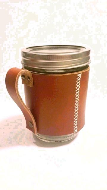石原さとみが使用している。メイソンジャーレザーマグ(茶)