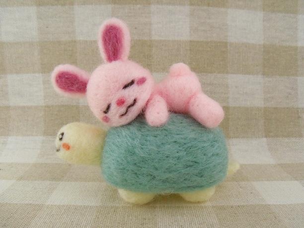 【再販】うさぎさんとカメさん | ホーム&リビング > おもちゃ&人形 > 羊毛フェルト | ハンドメイド・手作りマーケット tetote(テトテ) | 作品ID:rq2150243871 (4392)