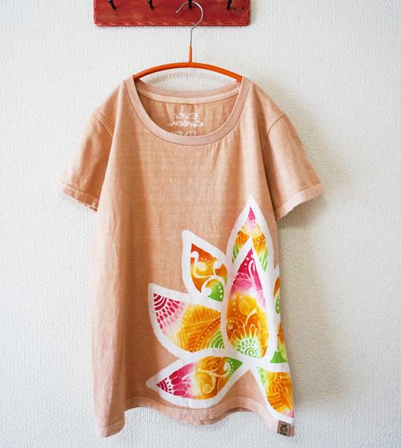 ベンガラ染めの蓮花Tシャツ(Lady's)|Tシャツ・ポロシャツ|ハンドメイド通販・販売のCreema (4550)