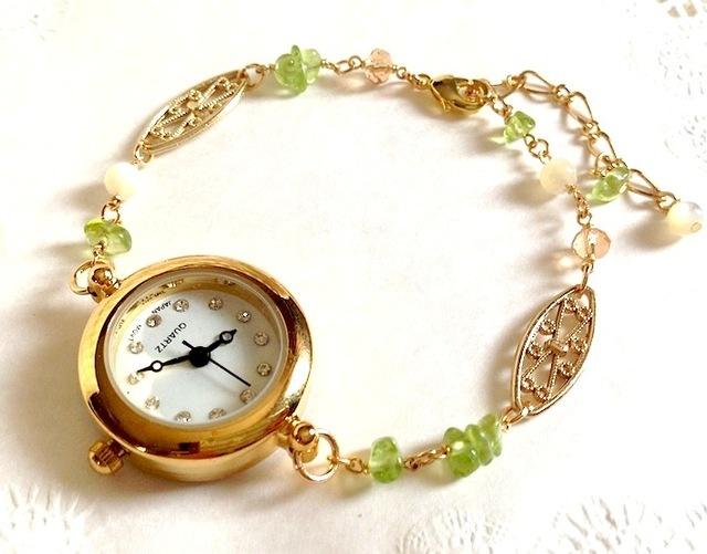 ブレスレットウォッチ(ペリドット) 腕時計 by heki アクセサリー ブレスレット | ハンドメイドマーケット minne(ミンネ) (4888)