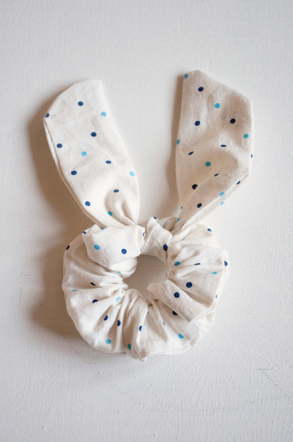 Oh the lovely things: Easter DIY: No Sew Bunny Ear Scrunchie (6536)