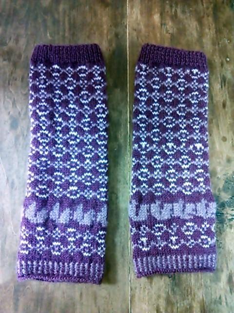 今だけセール/紫の模様編みレッグウォーマー・ニット・手編み|靴下|ハンドメイド通販・販売のCreema (10249)