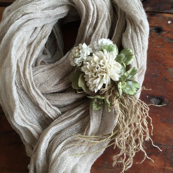 シロツメクサの花束コサージュ|コサージュ|ハンドメイド通販・販売のCreema (10840)