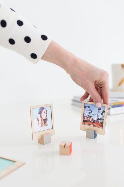 DIY Wooden Polaroid Displays (& video tutorial | ディスプレイ、ポラロイド、ポラロイドのディスプレイ (11079)