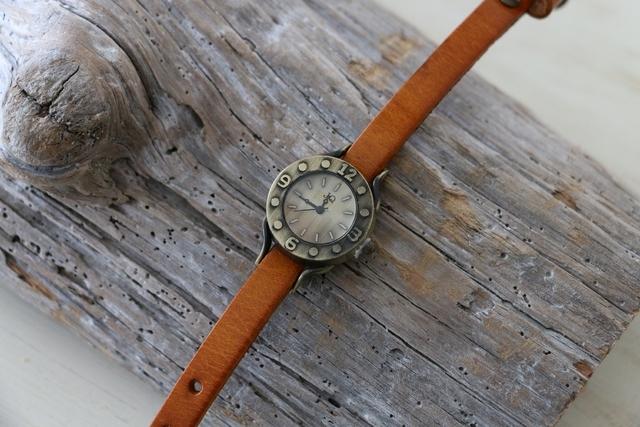ヴィンテージスタイル レザーウォッチ 牛革 ステンレススチール 腕時計 ブラウン by viola37 アクセサリー その他 | ハンドメイドマーケット minne(ミンネ) (11310)