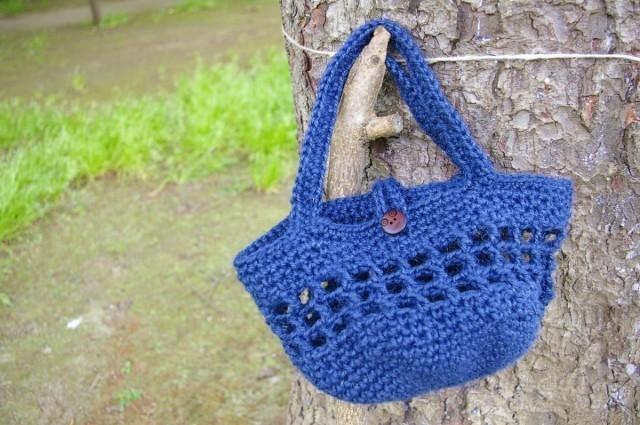 麻素材かぎ針編みおでかけバッグ【青】 作品詳細 | mariの森 | ハンドメイド通販 iichi(いいち) (11739)