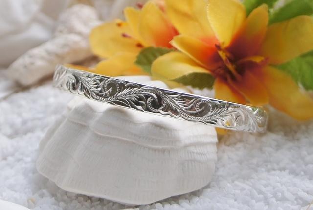 ハワイアンジュエリーバングル(オープンタイプ・Silver) by Hawi(ハヴィ) アクセサリー ブレスレット | ハンドメイドマーケット minne(ミンネ) (11813)