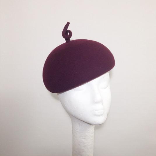PIG TAIL BERET(ボルドー) by yponhats ファッション 帽子 | ハンドメイドマーケット minne(ミンネ) (11943)
