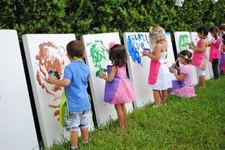 Painting party for kids...what a cute birthday party idea!   marcos   Pinterest   パーティー、キッズ、ペインティング (12056)