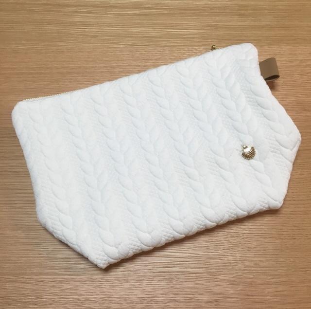 キルトニットのクラッチポーチ ホワイト | ハンドメイド、手作り作品の通販 minne(ミンネ) (12233)
