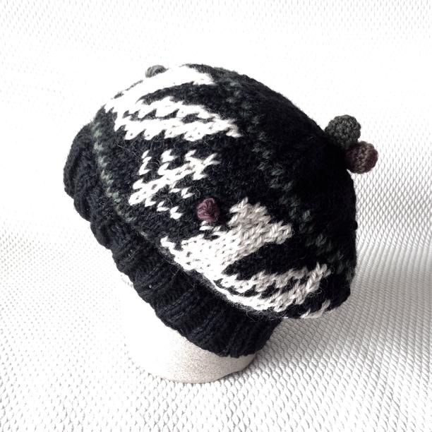 ニット帽 りすと木の実 | ファッション > 帽子 > ニット帽 | ハンドメイド・手作りマーケット tetote(テトテ) | 作品ID:bz2195604832 (12259)