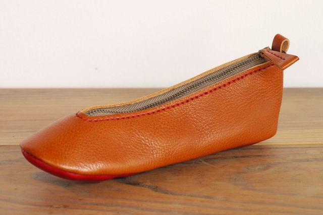 靴型ペンケース BR×RD #1-4 (イタリアンレザー) | ハンドメイド、手作り作品の通販 minne(ミンネ) (12980)