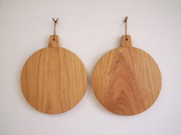 カッティングボード 丸のMサイズ 山桜材|カッティングボード|ハンドメイド通販・販売のCreema (13856)
